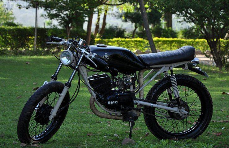 Bambukaat Yamaha RX135 based cafe racer 2