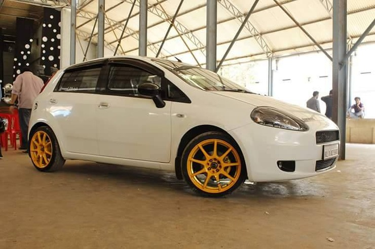 Fiat Punto with Gold Coloured Alloys