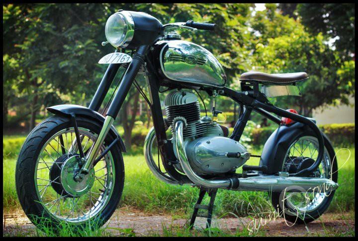 beautifully modified Yezdi and Jawa motorcycles | Cartoq - Honest ...