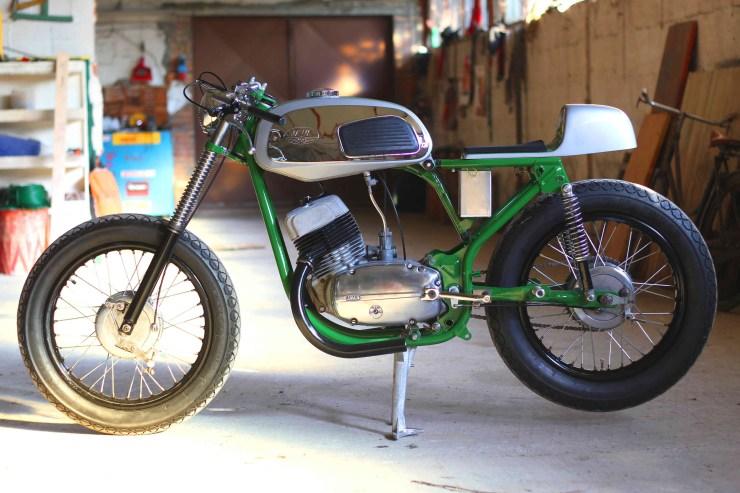Jawa 350 based Bone Cafe Racer 1