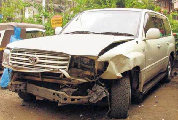 Salman Khan's Land Cruiser Accident