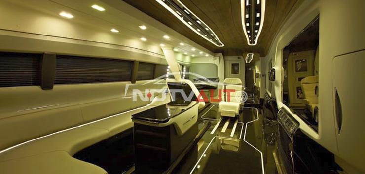 Shahrukh Khan B9R Vanity Van 3