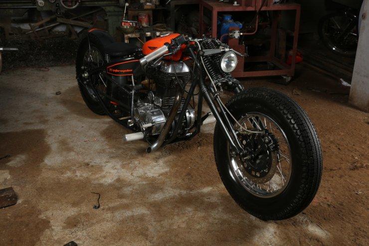 TNT Motorcycles' Royal Enfield Shunya Custom 1