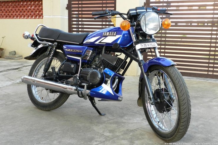 2-stroke motorcycle legends of India: Yamaha RX100, RD 350 to Yezdi 350!