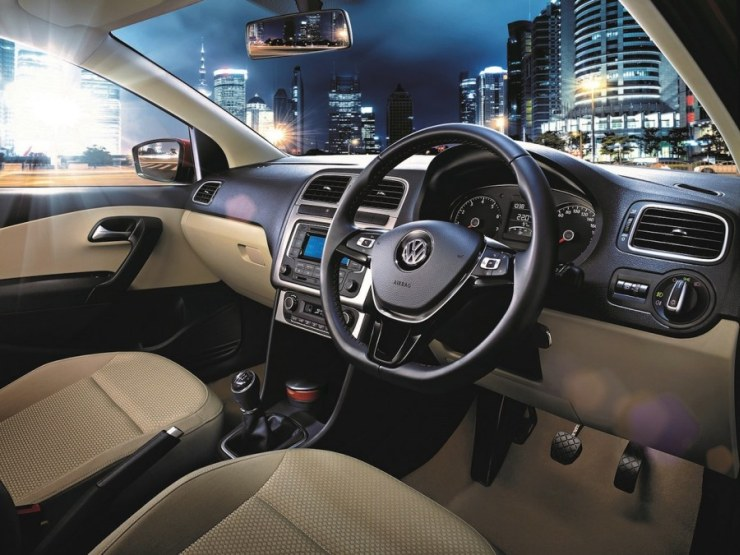 2015 Volkswagen Polo Hatchback 2