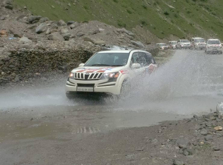 Day 3 An XUV makes a splash near Sissu