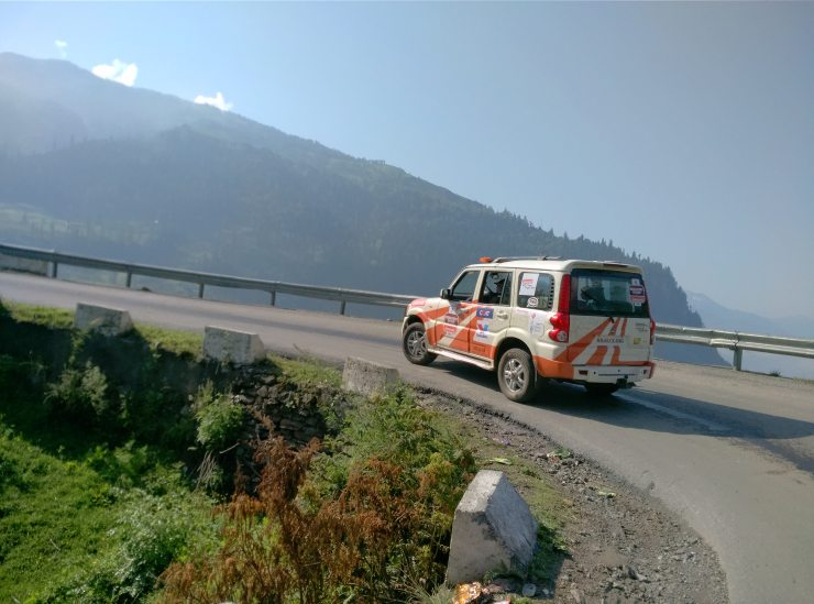 Day 3 Convoy climbs up to Rohtang