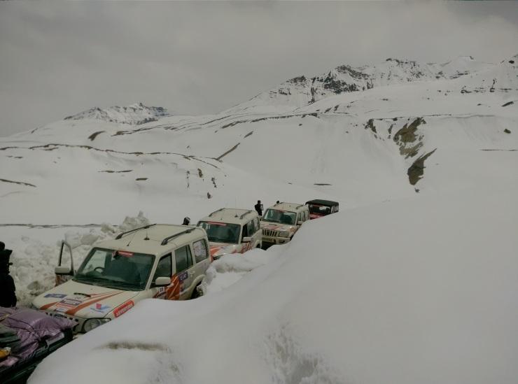 Day 5 Snowbound Baralachla
