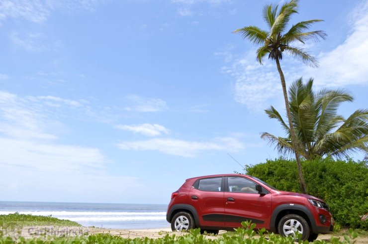 Renault Kwid in Red 4