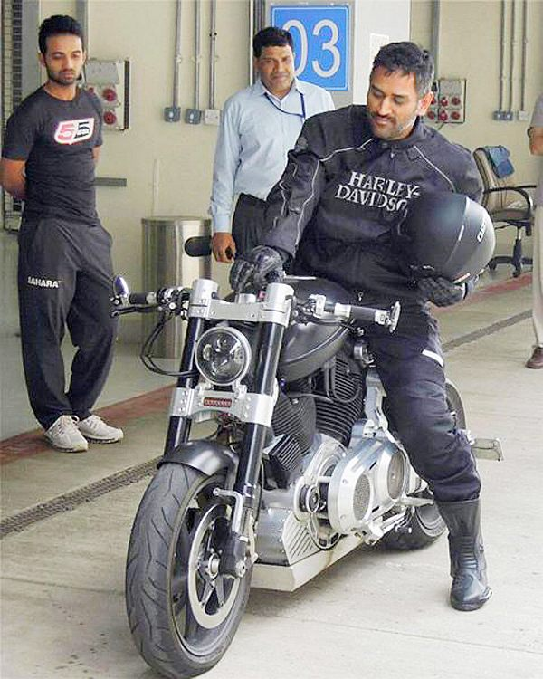 MS Dhoni on his Confederate Hellcat X132