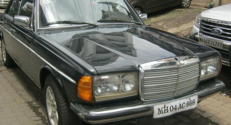 1984-Mercedes-Benz-E-Class-1998-2002-E-240-3129933