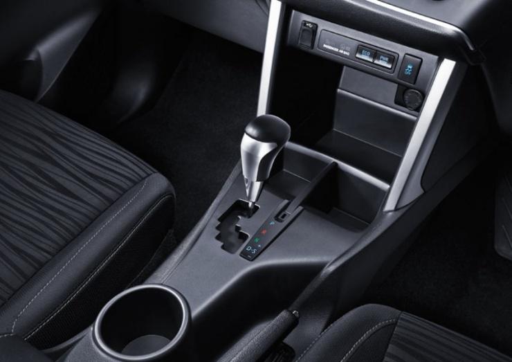 2016 Toyota Innova MPV 10