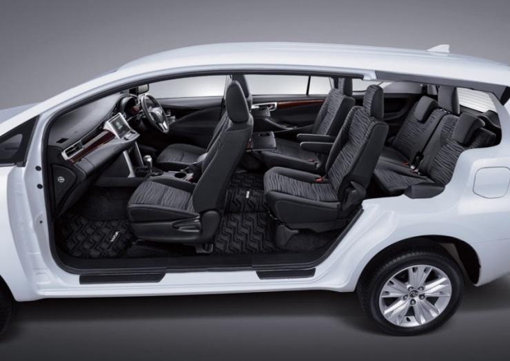 2016 Toyota Innova MPV 11