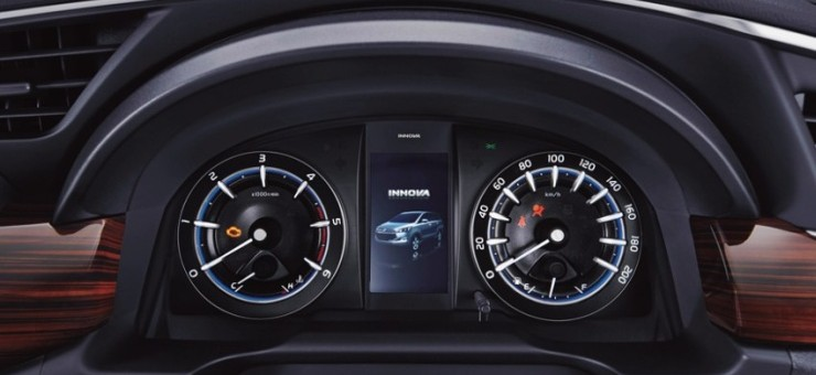 2016 Toyota Innova MPV 16