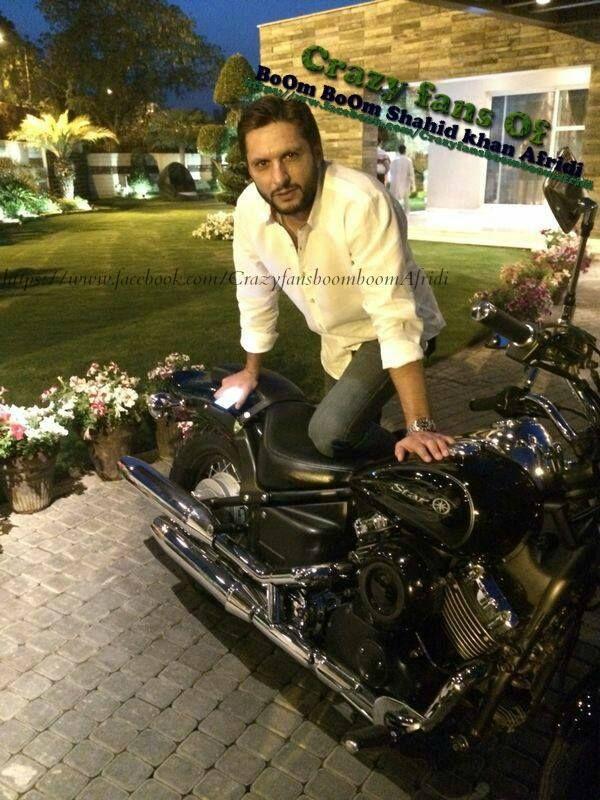 Shahid Afridi His Luxury Cars Amp Superbikes