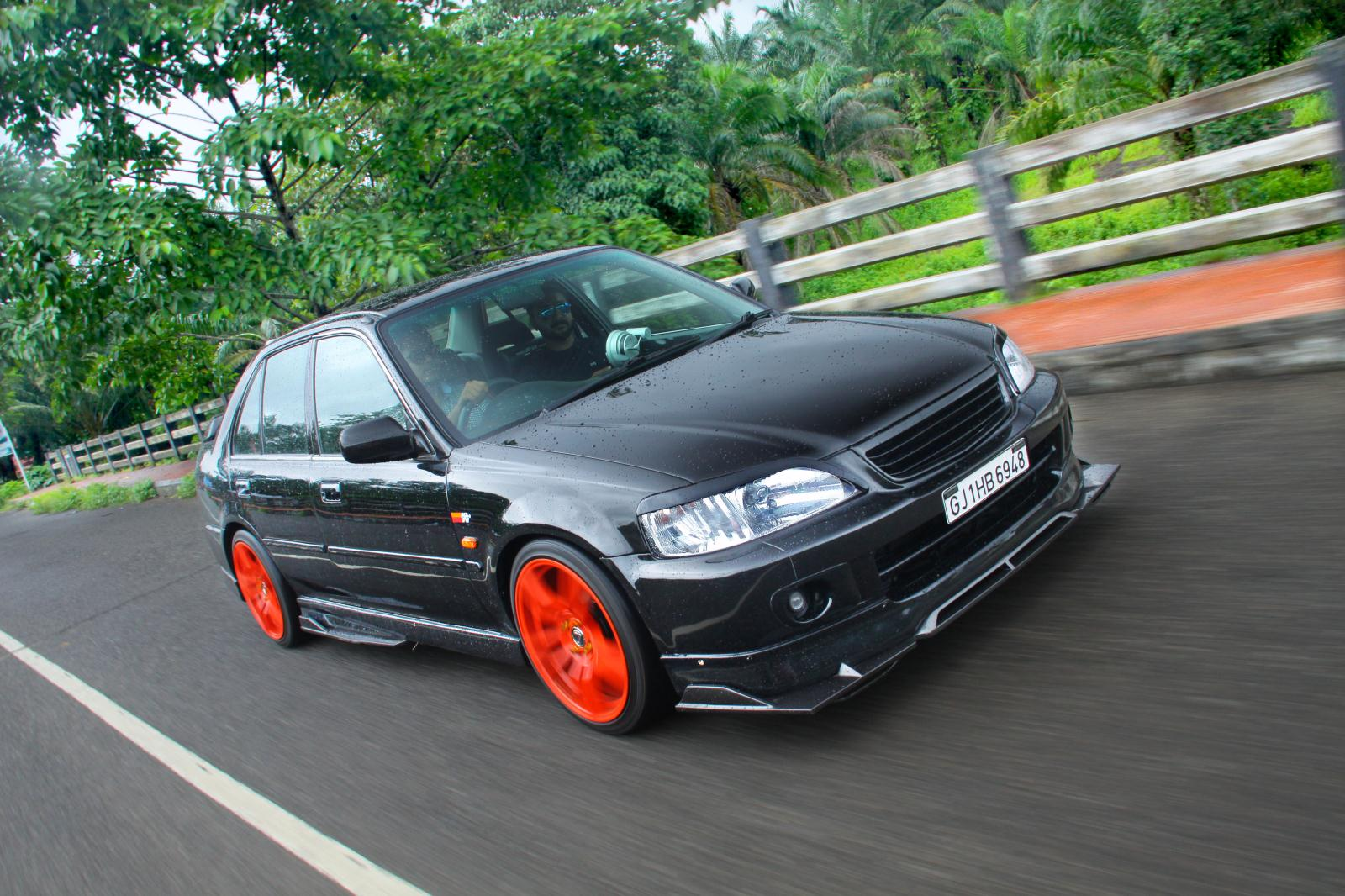 Ten old cars that look great modified