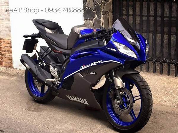 Modified Yamaha R15 into R6