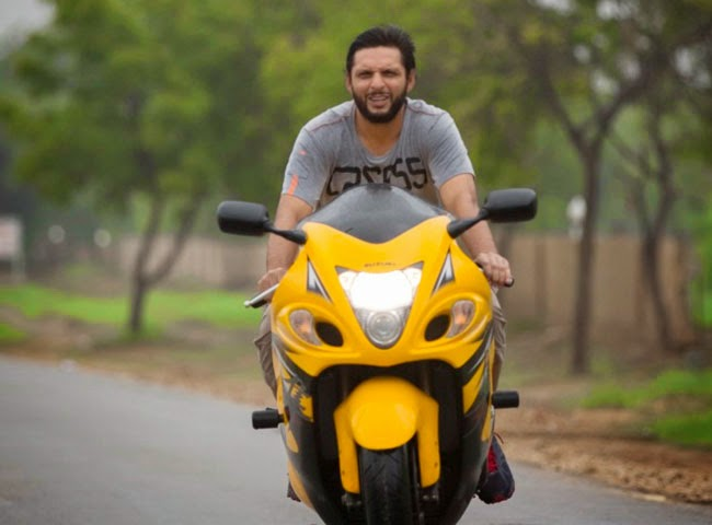 Shahid Afridi His Luxury Cars Amp Superbikes
