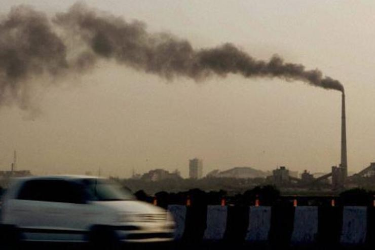 Delhi starts emergency measures to counter air pollution
