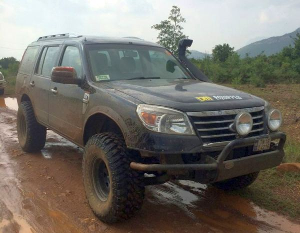 Ford Endeavour Lifted