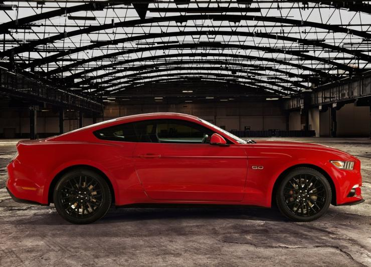 Ford Mustang 13