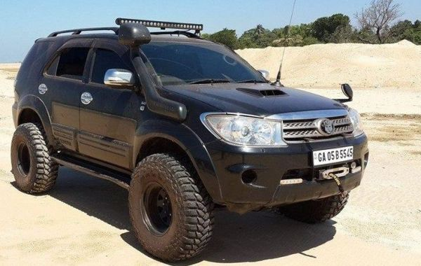 Toyota Fortuner Lifted