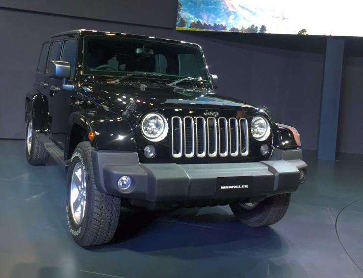 Jeep Wrangler, Grand Cherokee, SRT officially unveiled