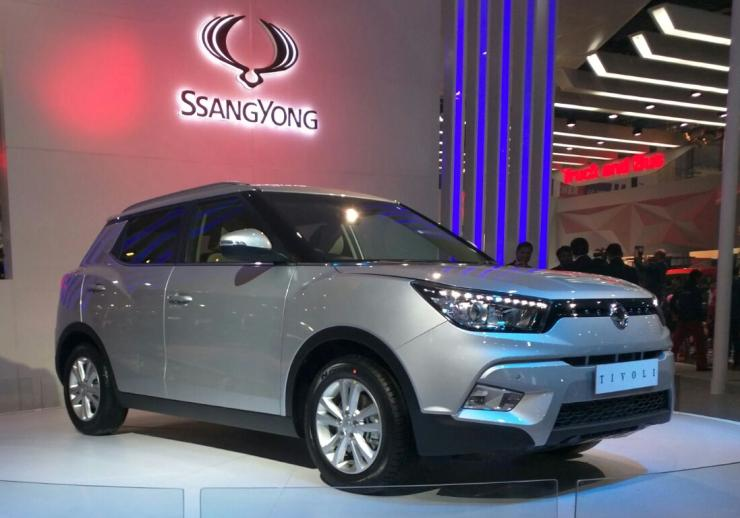 duster creta challenging ssangyong tivoli unveiled at the auto expo 2016. Black Bedroom Furniture Sets. Home Design Ideas