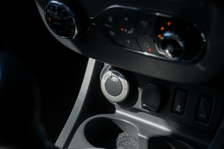 Renault Duster Facelift AWD Dial