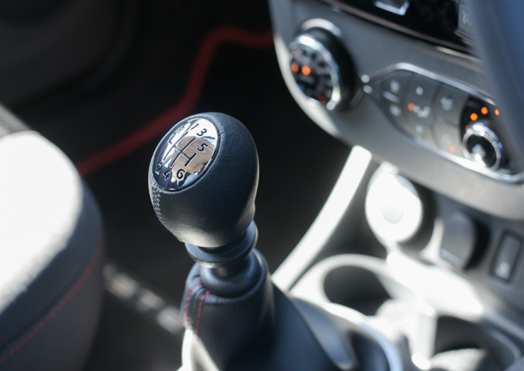 Renault Duster Facelift AWD Gear lever