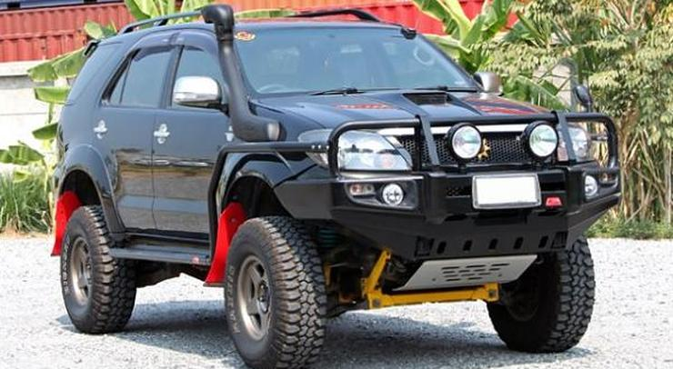 Toyota Fortuner Custom
