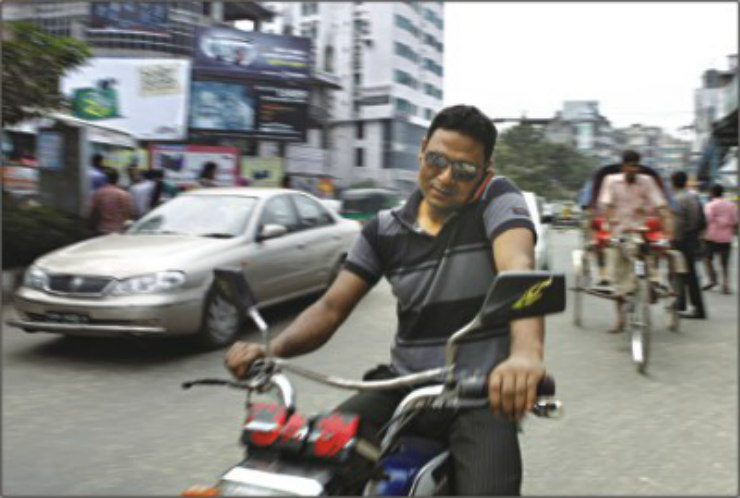 Death traps bikers in India MUST avoid