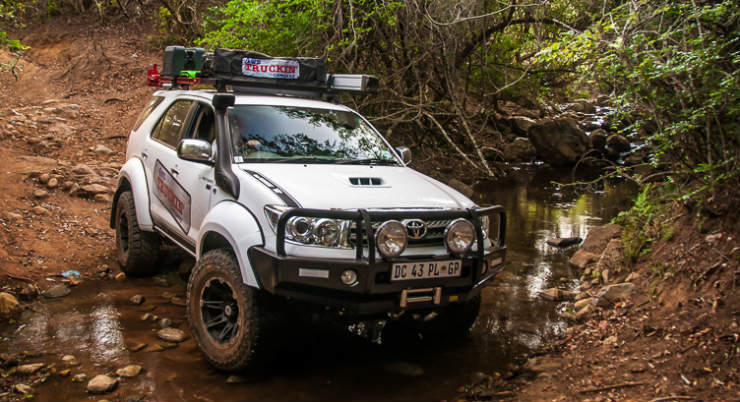 Arctic-Trucks-Toyota-Fortuner-33s-Mafefe-4x4-African-Ivory-Route-3-of-7