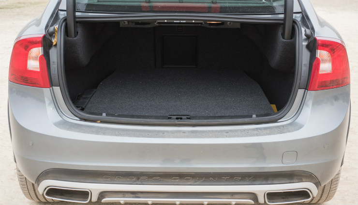 Volvo S60 Cross Country boot space