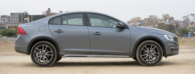 Volvo S60 Cross Country Side Profile image