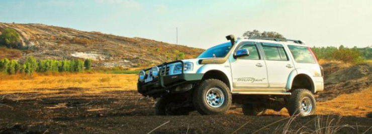 TDI-Racings-Ford-Endeavour-Custom-3