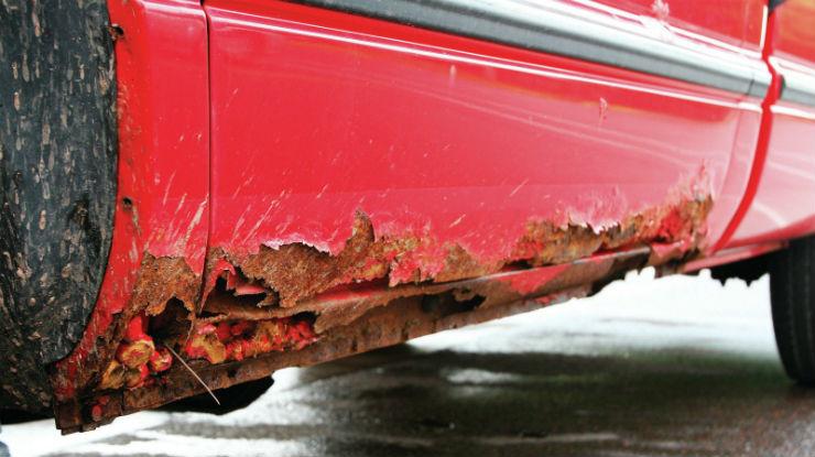 1112dp_01+rust_busting+rusty_bottom_of_door