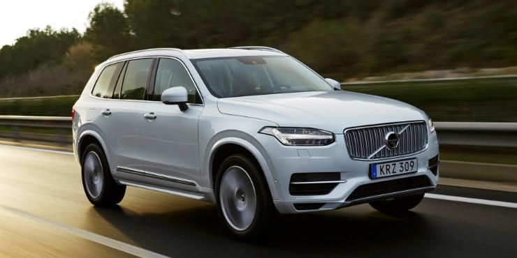 157806_The_new_Volvo_XC90_T8_Twin_Engine_petrol_plug_in_hybrid_driven_in_Tarragona