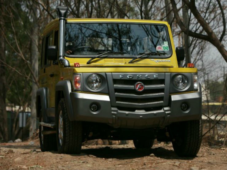 2013-force-motors-gurkha-action-front-pic-thumb_640x480