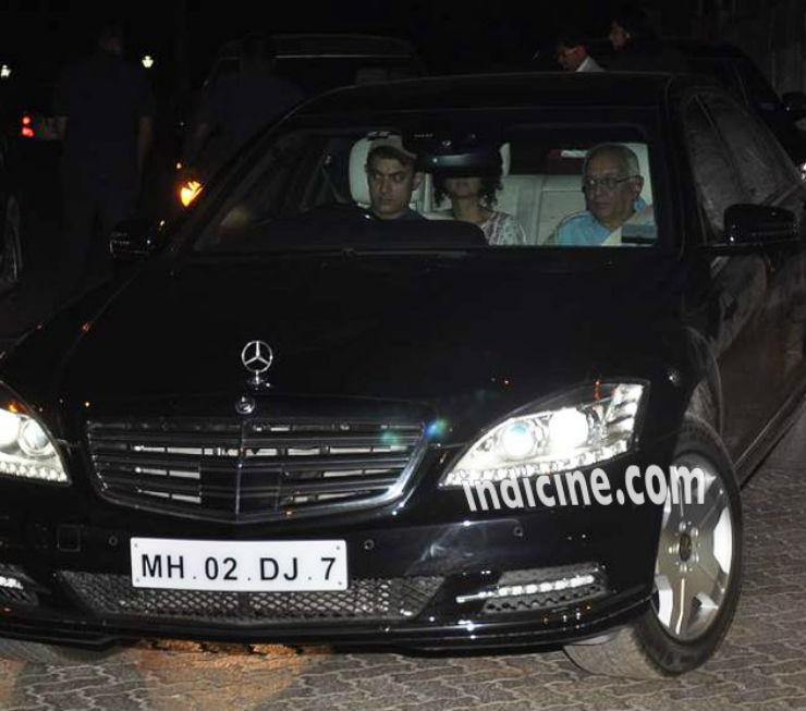 Aamir-snapped-driving-his-new-Mercedes-S-Class-in-Mumbai
