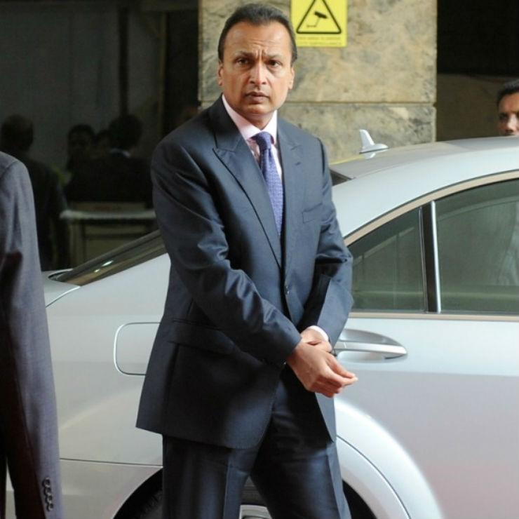 Anil-Ambani-and-Tina-Ambani-with-his-W221-Mercedes-Benz-S-Class