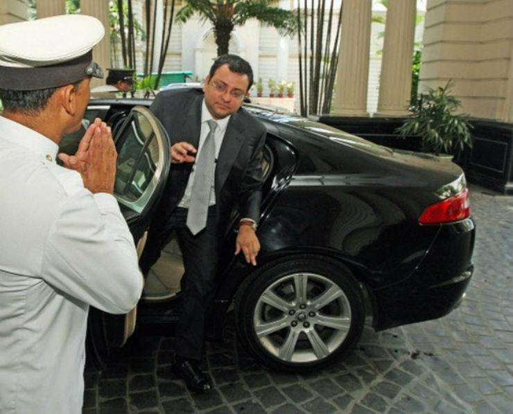 Cyrus-Mistry-in-his-Jaguar-XF