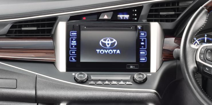 explore the toyota innova crysta inside out in images rh cartoq com toyota innova crysta fuse box location toyota innova fuse box diagram