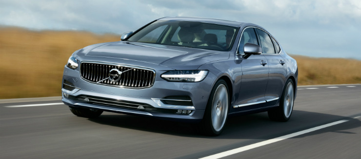 170075_Location_Front_Quarter_Volvo_S90_Mussel_Blue