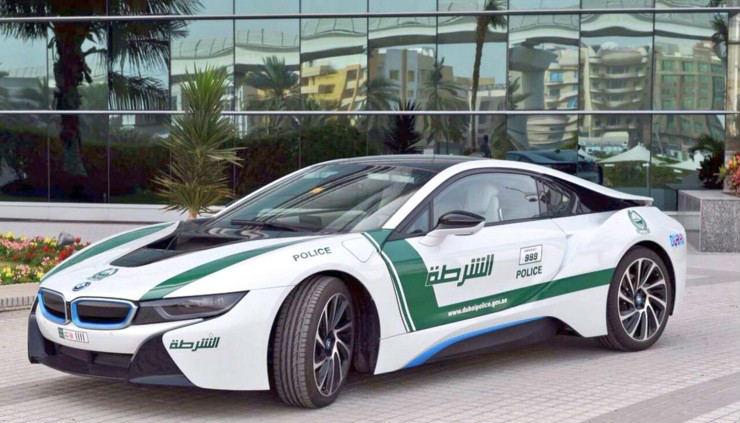 Dubai-Polices-BMW-i8