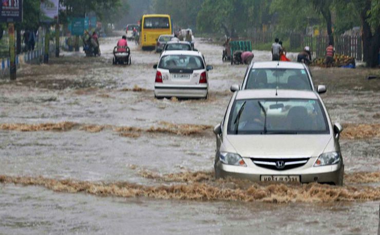 flooded-road-india