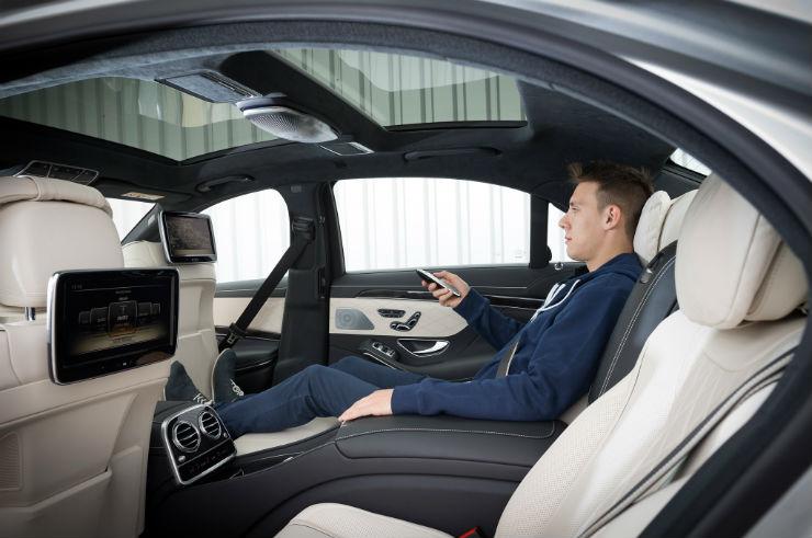 2014-Mercedes-Benz-S550-rear-recliner-seats