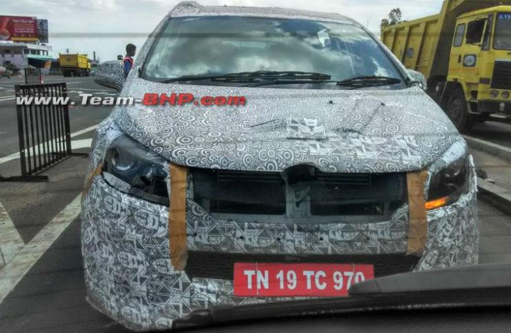 Mahindra MPV rivaling Toyota Innova caught testing