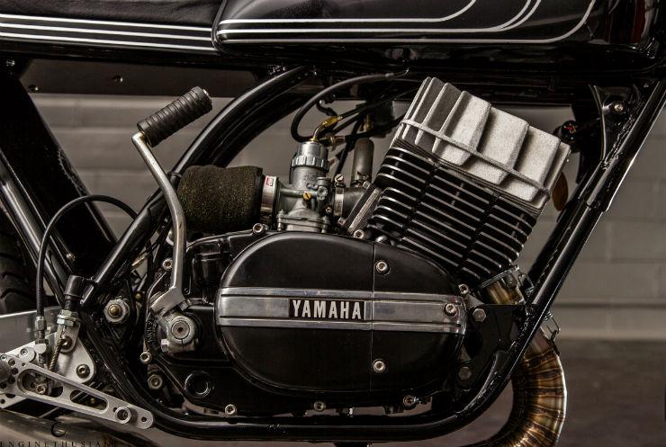 Twineline Yamaha RD350-1-18