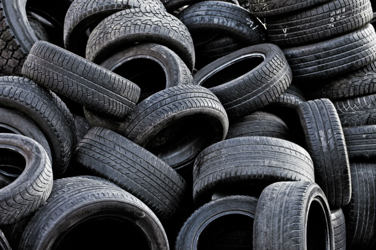 When exactly to replace your car's tyres: Warning Signs!